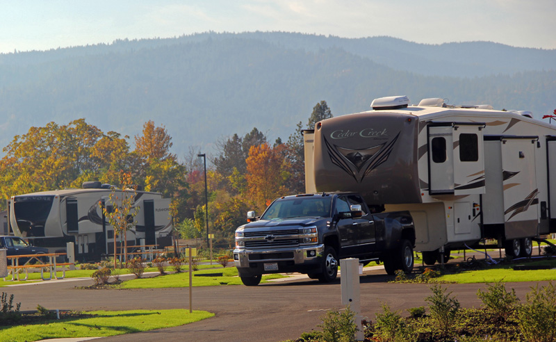 imgBIG RIG FRIENDLY - SO RV Park features sites up to 75' long!